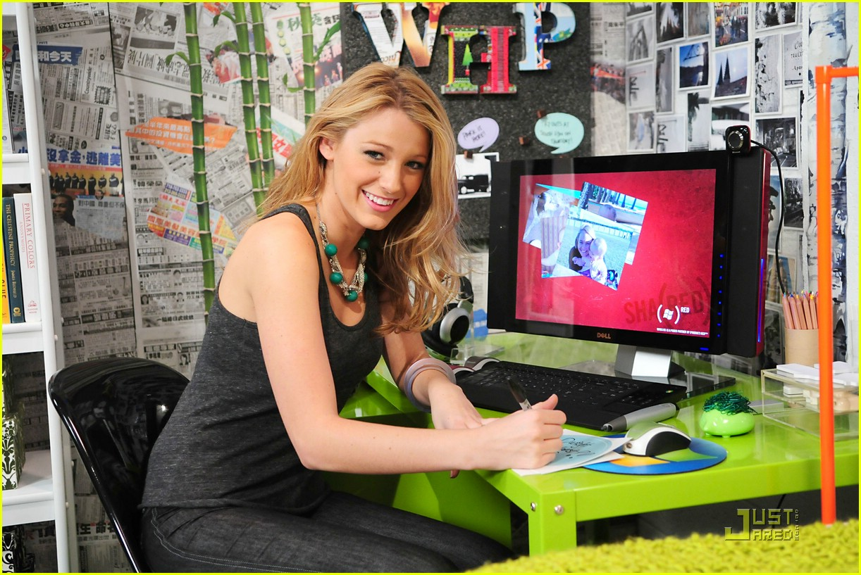 blake lively microsoft digital dorm room 02