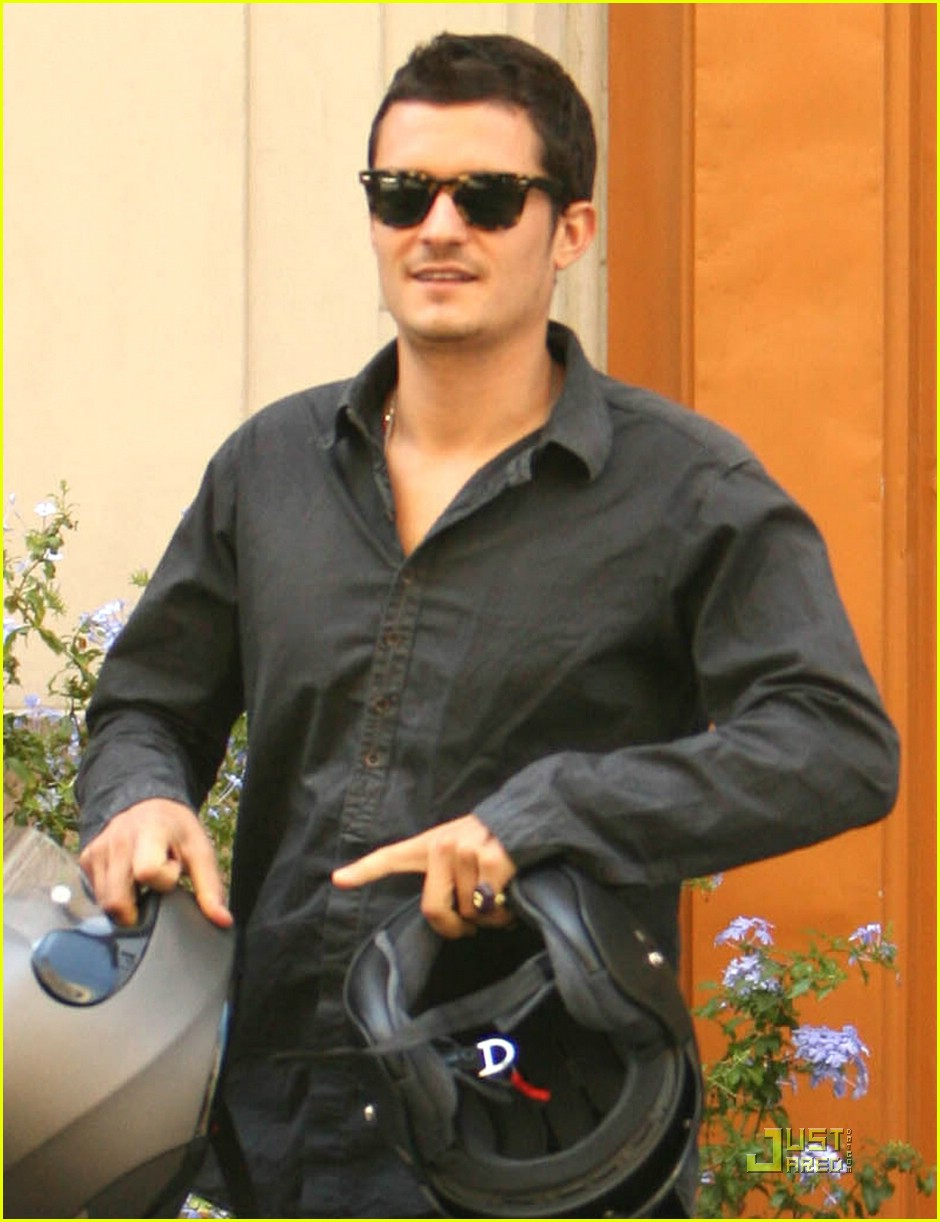 orlando bloom motorcycle 081356591