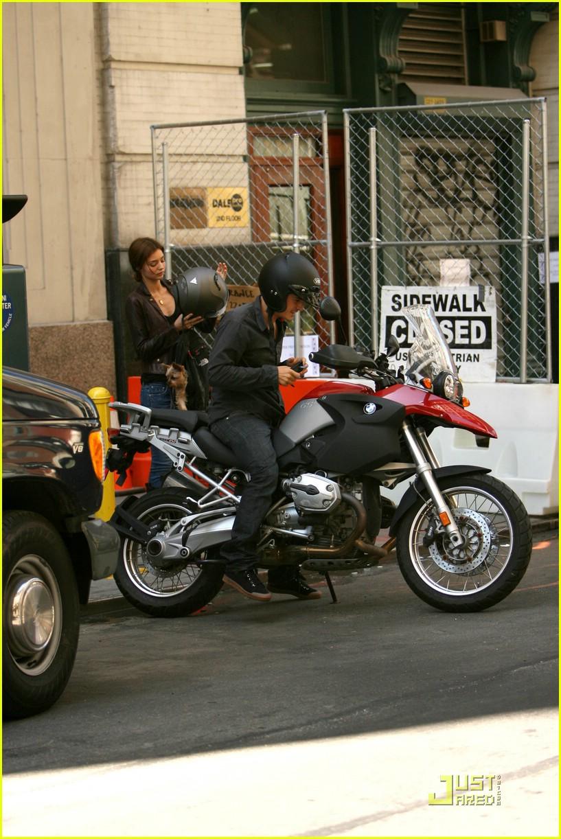 orlando bloom motorcycle 131356641