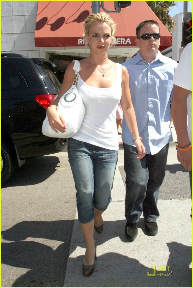 Full Sized Photo Of Britney Spears Candle Crazy 04 Photo 1369381 Just Jared