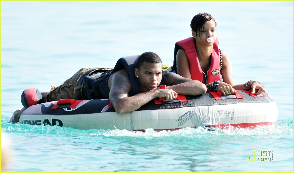rihanna chris brown barbados 11