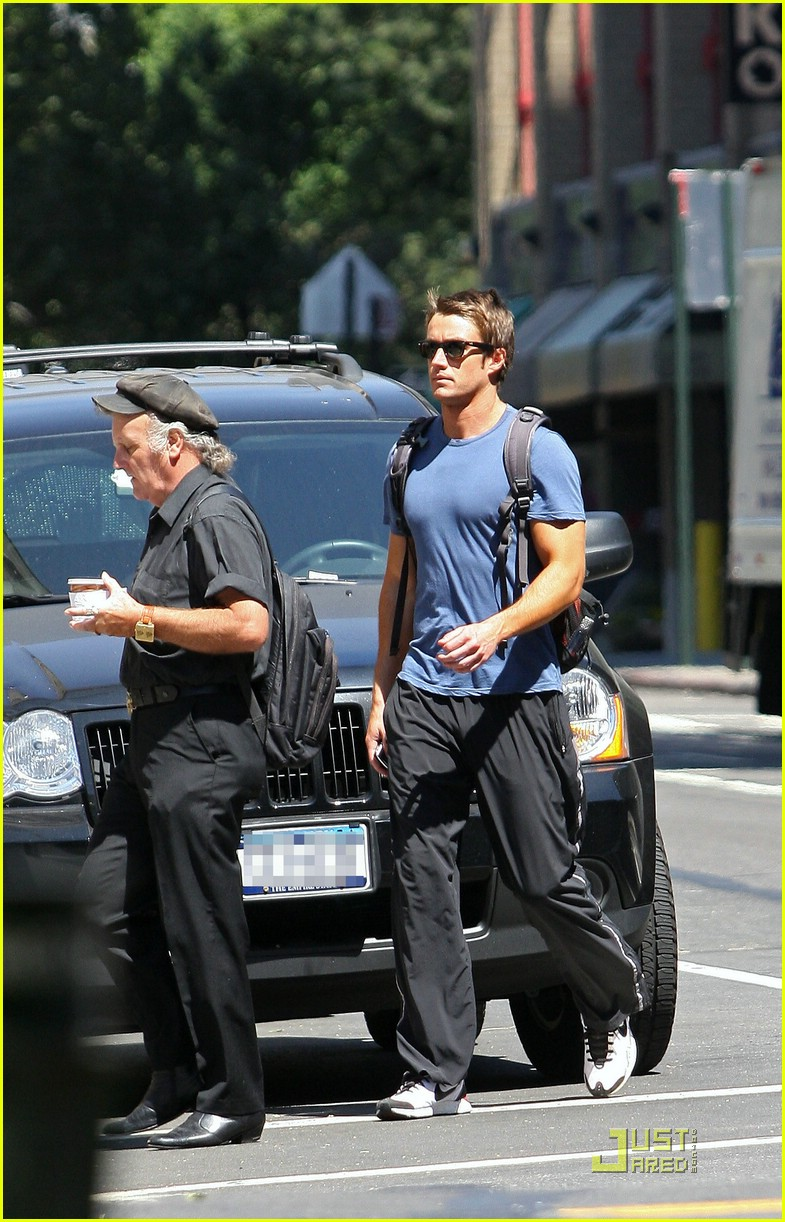 robert buckley soho 07