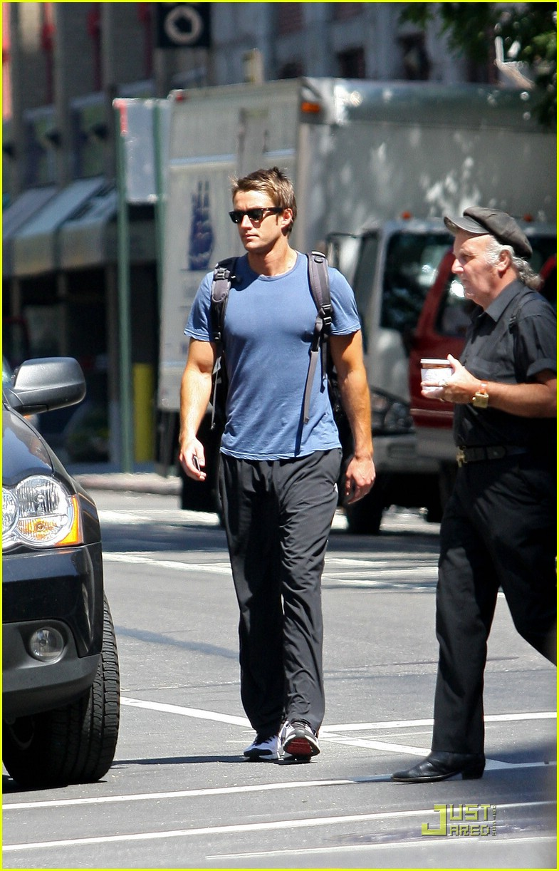 robert buckley soho 091382051
