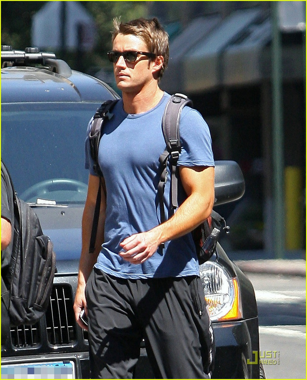 robert buckley soho 101382061