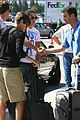 zac efron burbank airport 05