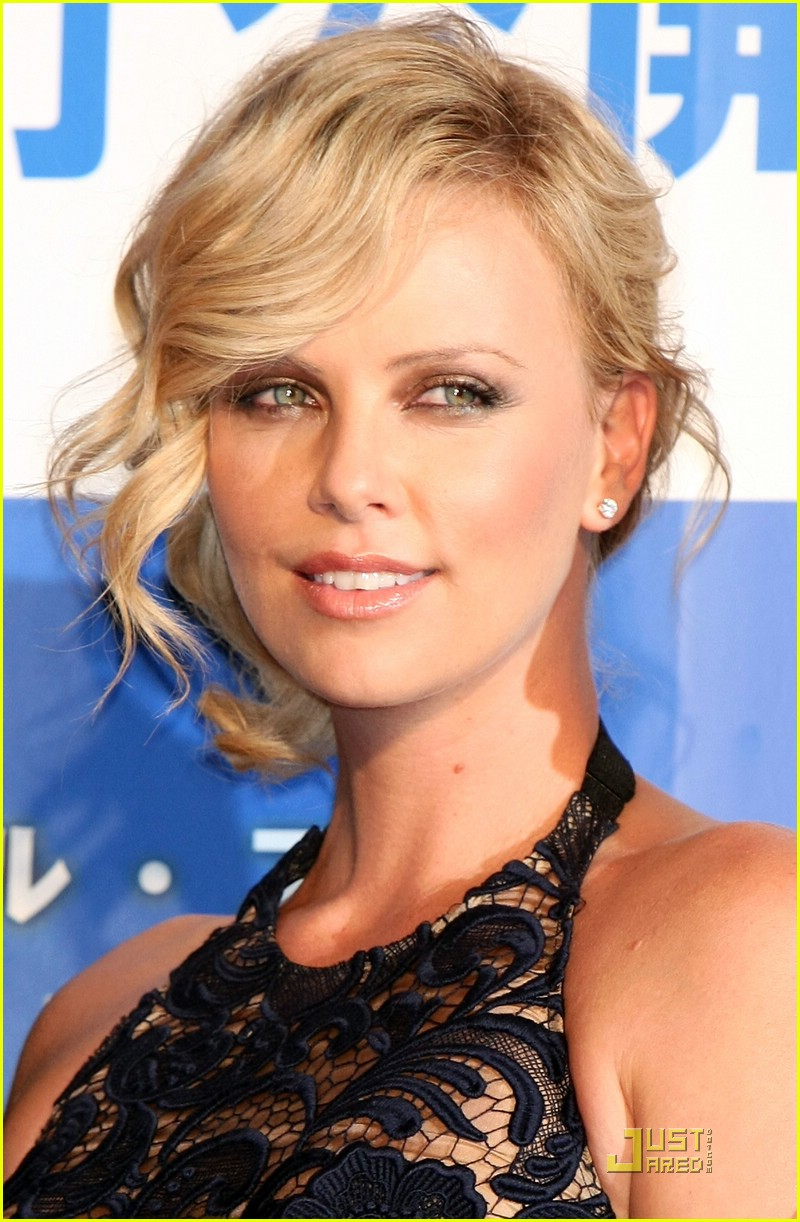 charlize theron japan 02