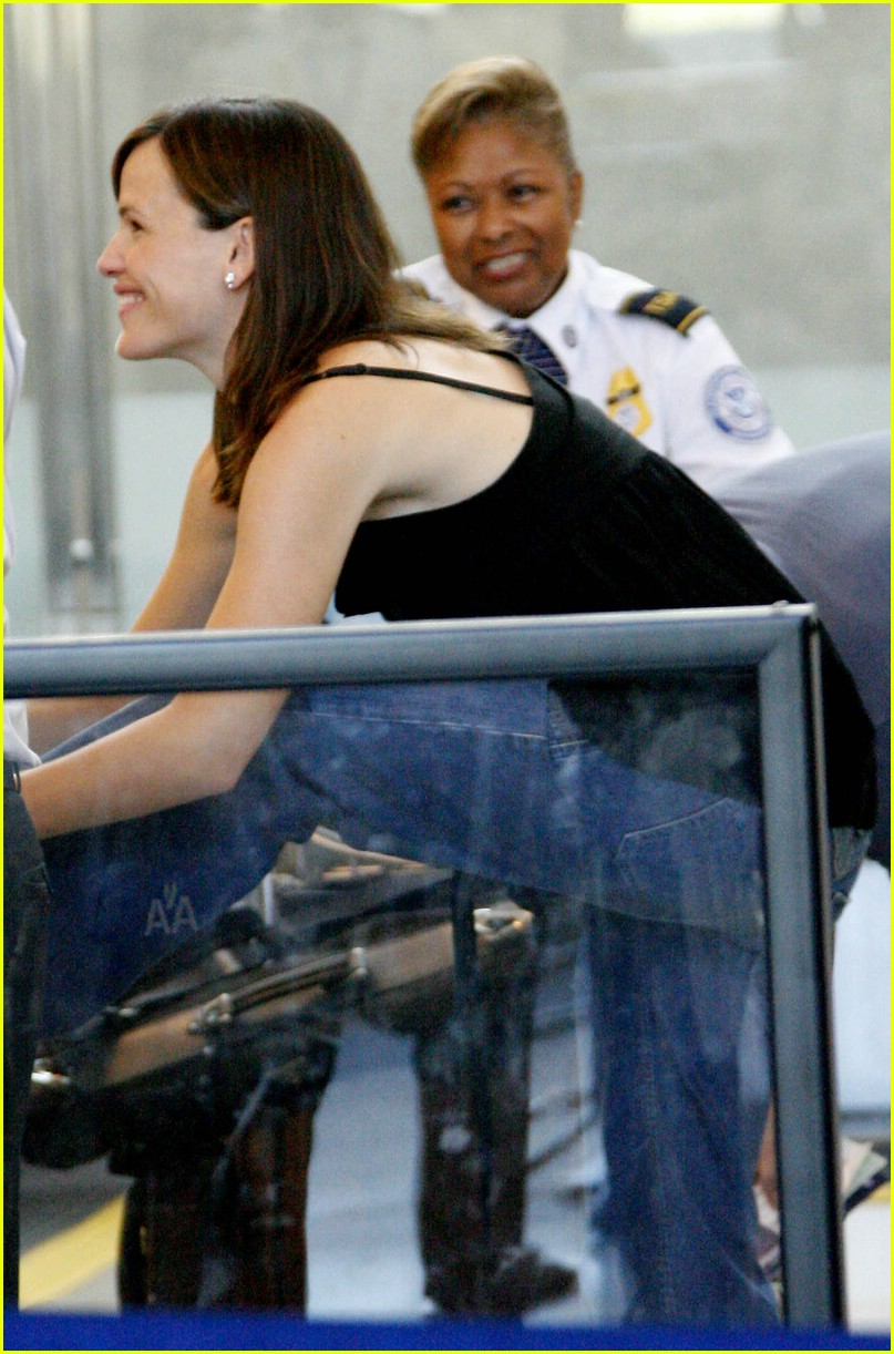 jennifer garner security smile 211312731