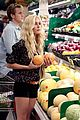 heidi montag spencer pratt grocery shopping gelsons 02