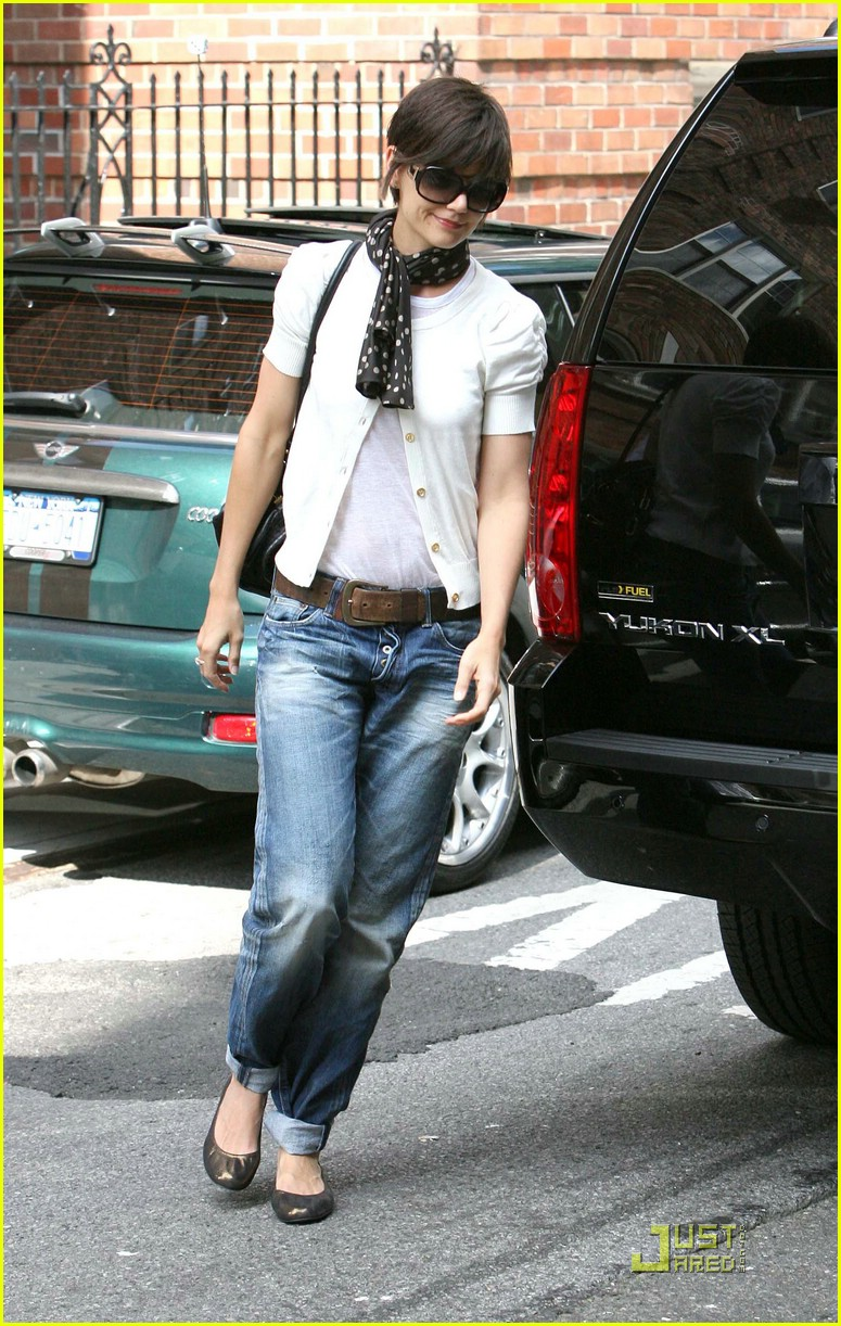katie holmes rolled up jeans 011319871