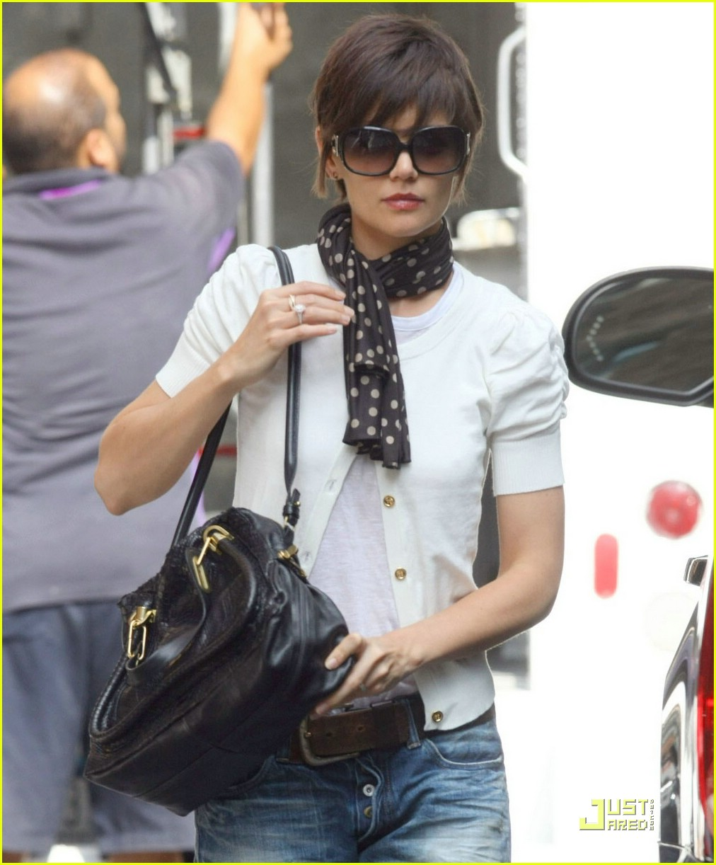katie holmes rolled up jeans 021319881