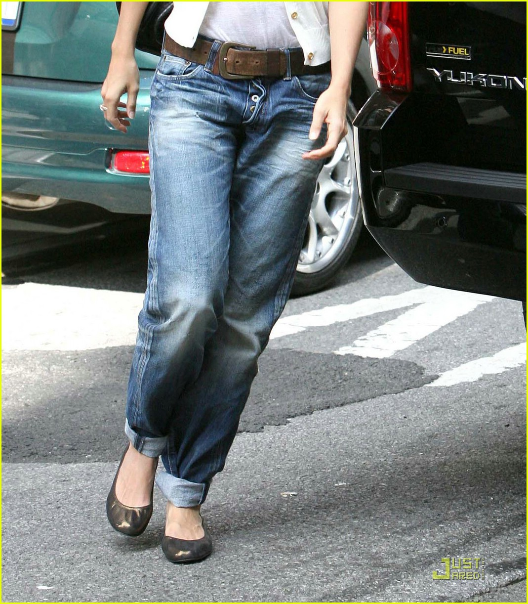 katie holmes rolled up jeans 071319931