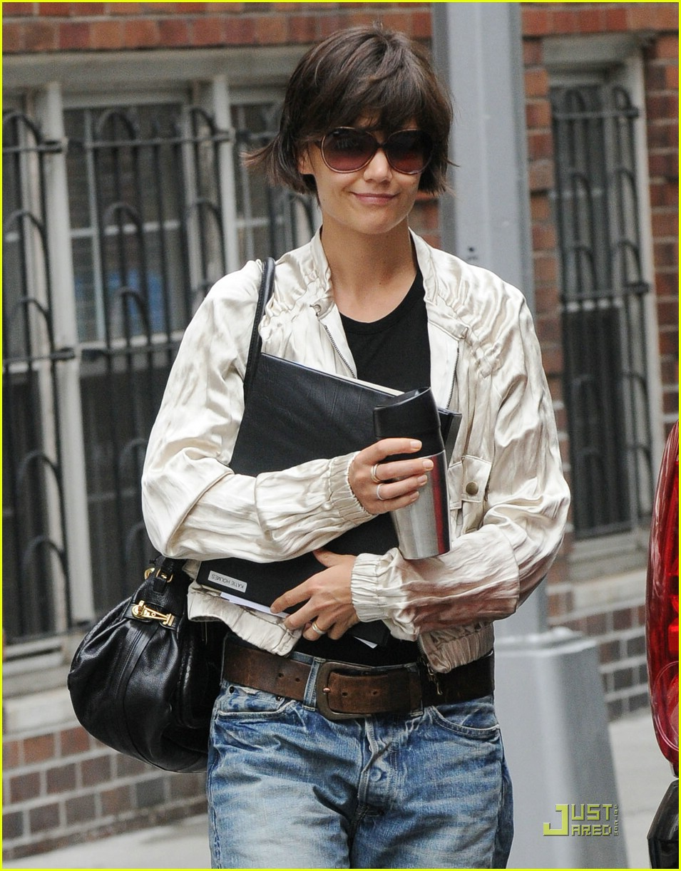 katie holmes pegged jeans 021312051