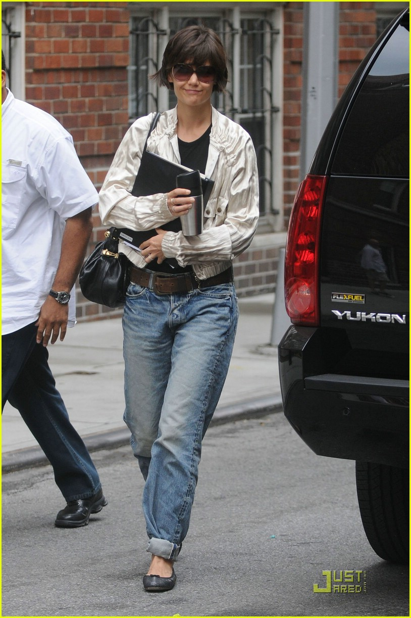 katie holmes pegged jeans 041312071
