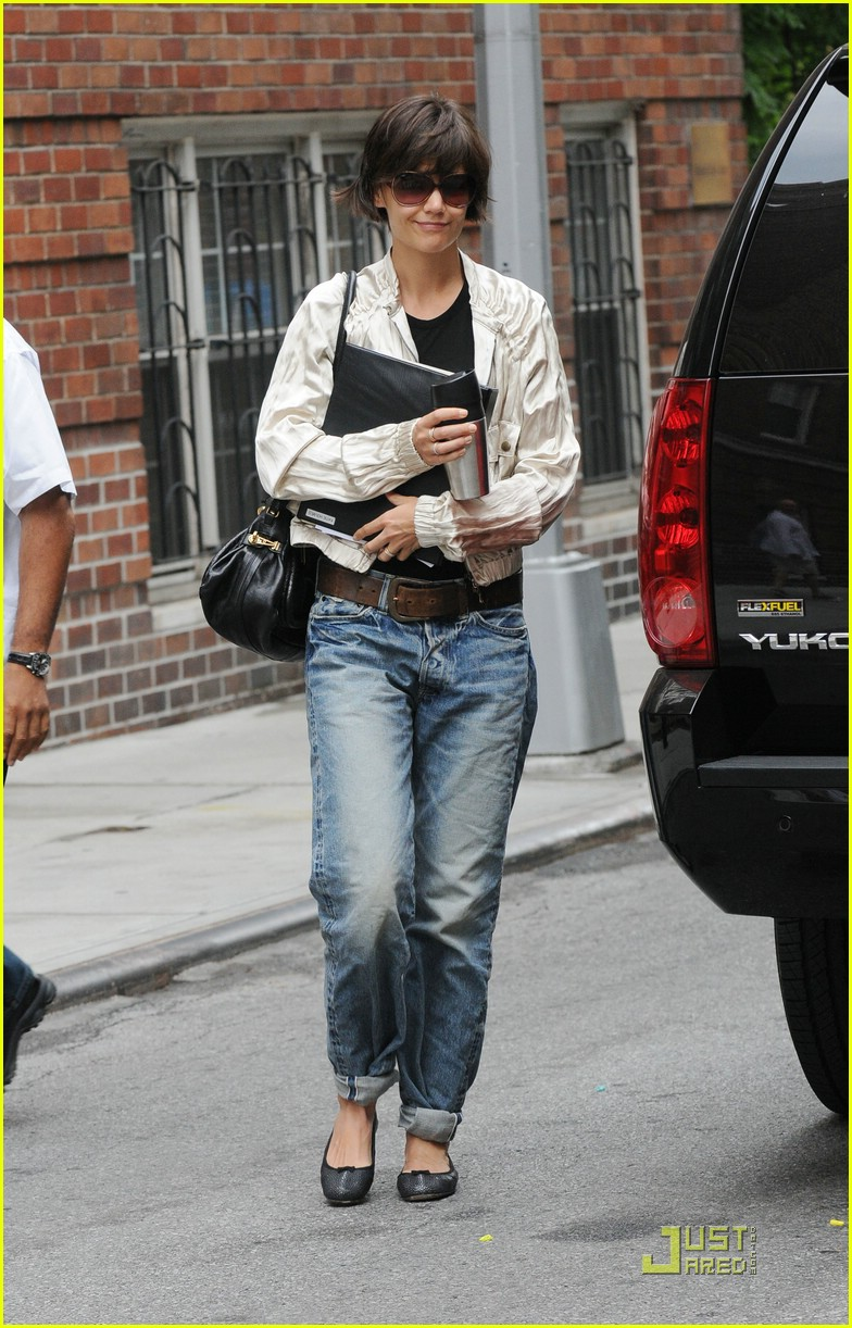 katie holmes pegged jeans 101312131