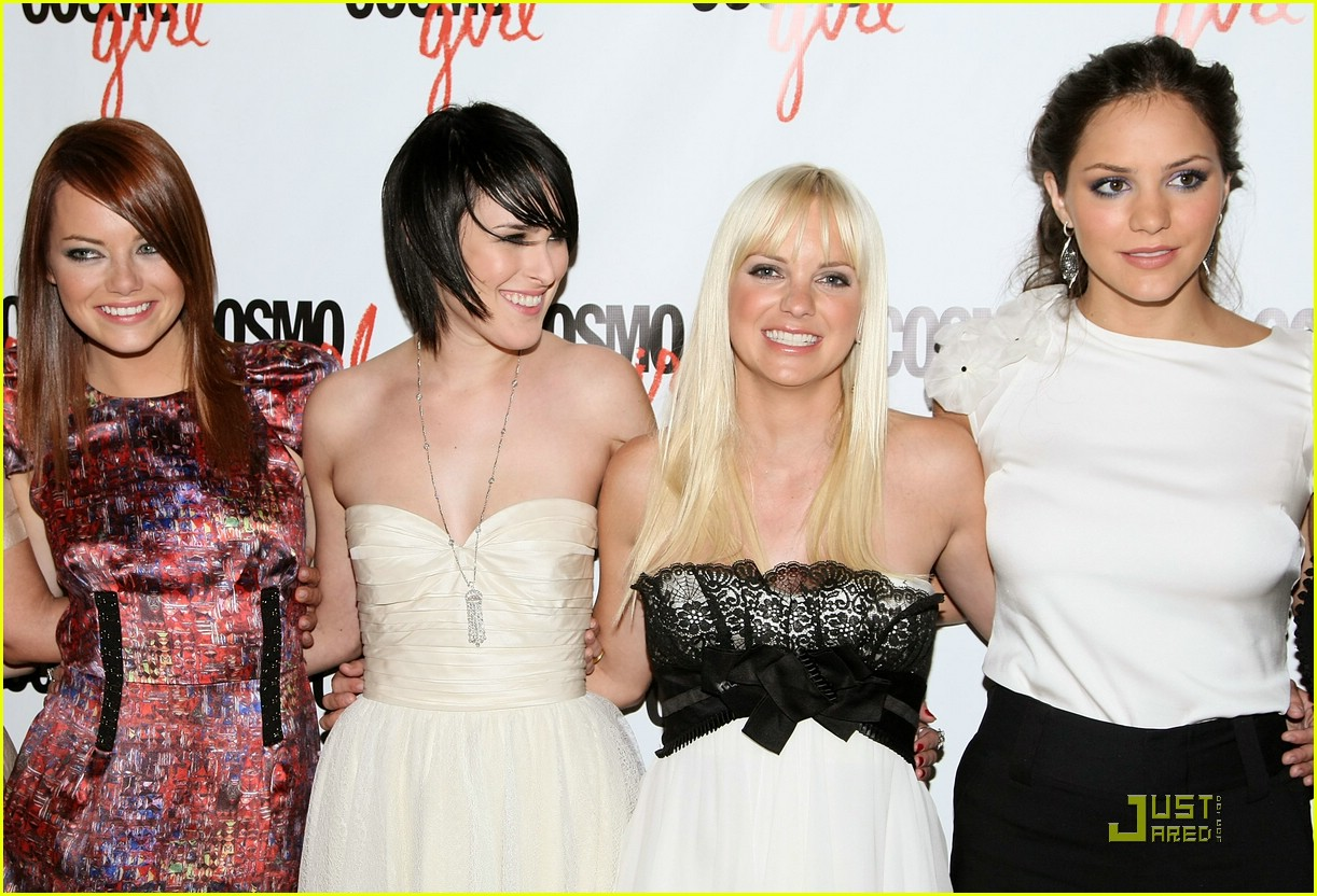 Rumer Willis Is The House Bunny Photo 1353191 Anna Faris Emma Stone Katharine Mcphee Rumer Willis Pictures Just Jared