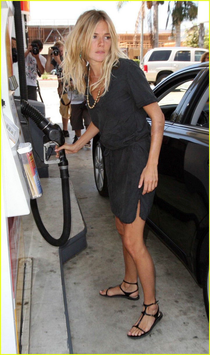sienna miller gas station 021335571