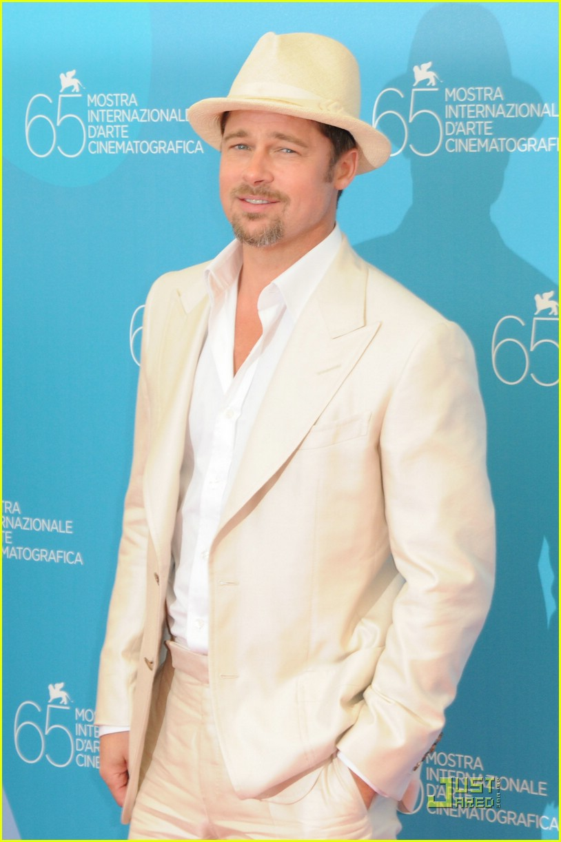 e7b9f160495 Brad Pitt Burns After Venice Film Festival  Photo 1372911
