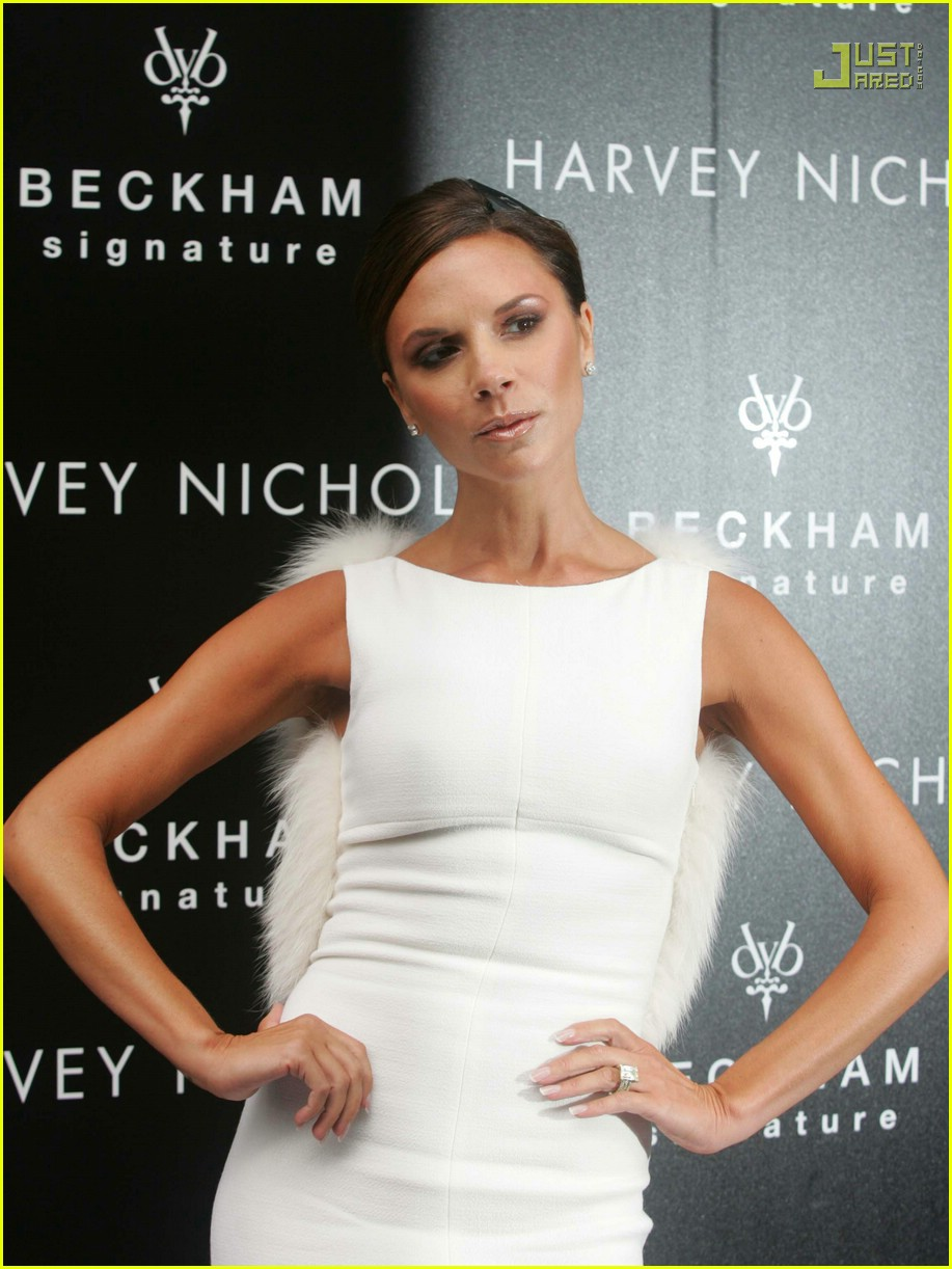 victoria beckham giambattista valli 31