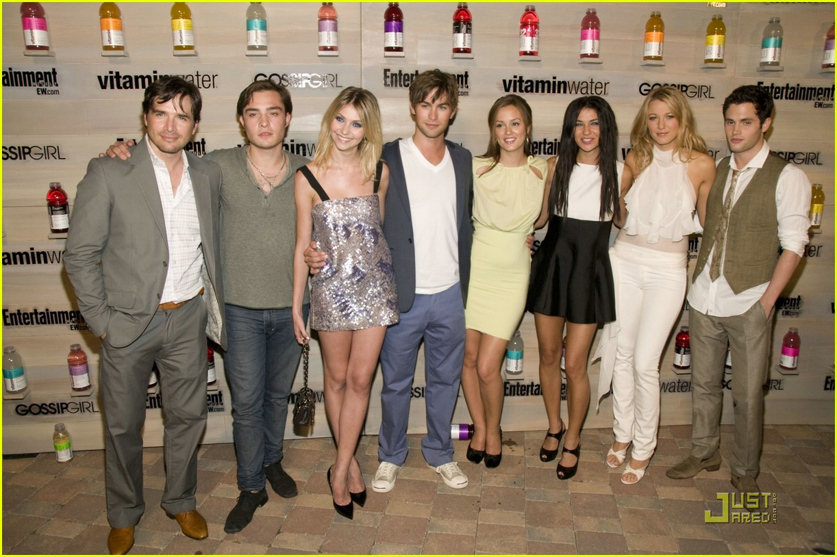 gossip girl vitamin water 19