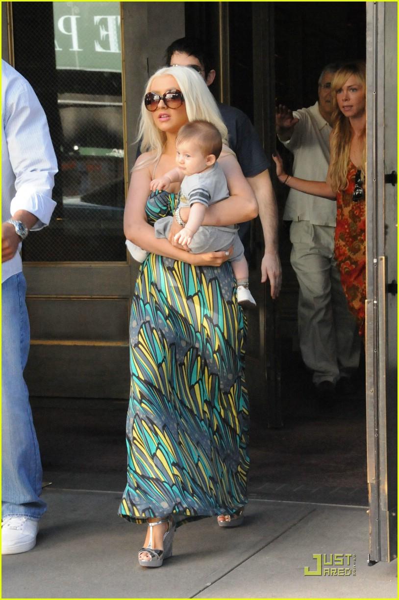 christina aguilera baby max 081385841
