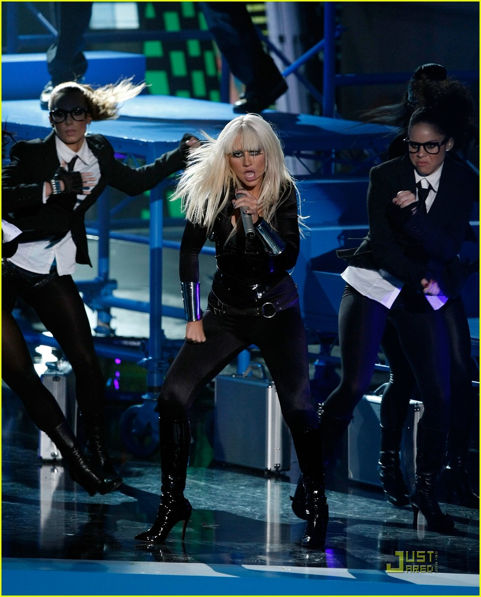 christina aguilera performance 2008 vmas 04