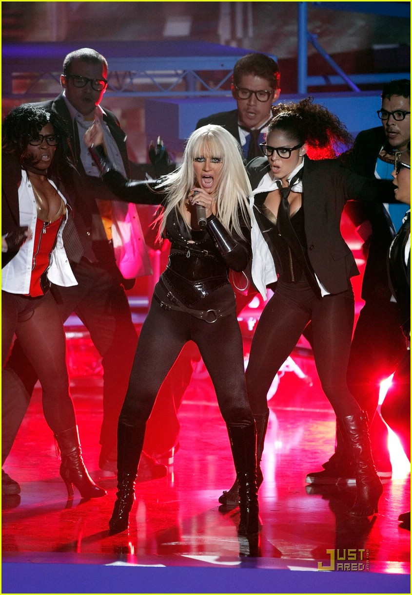 christina aguilera performance 2008 vmas 08