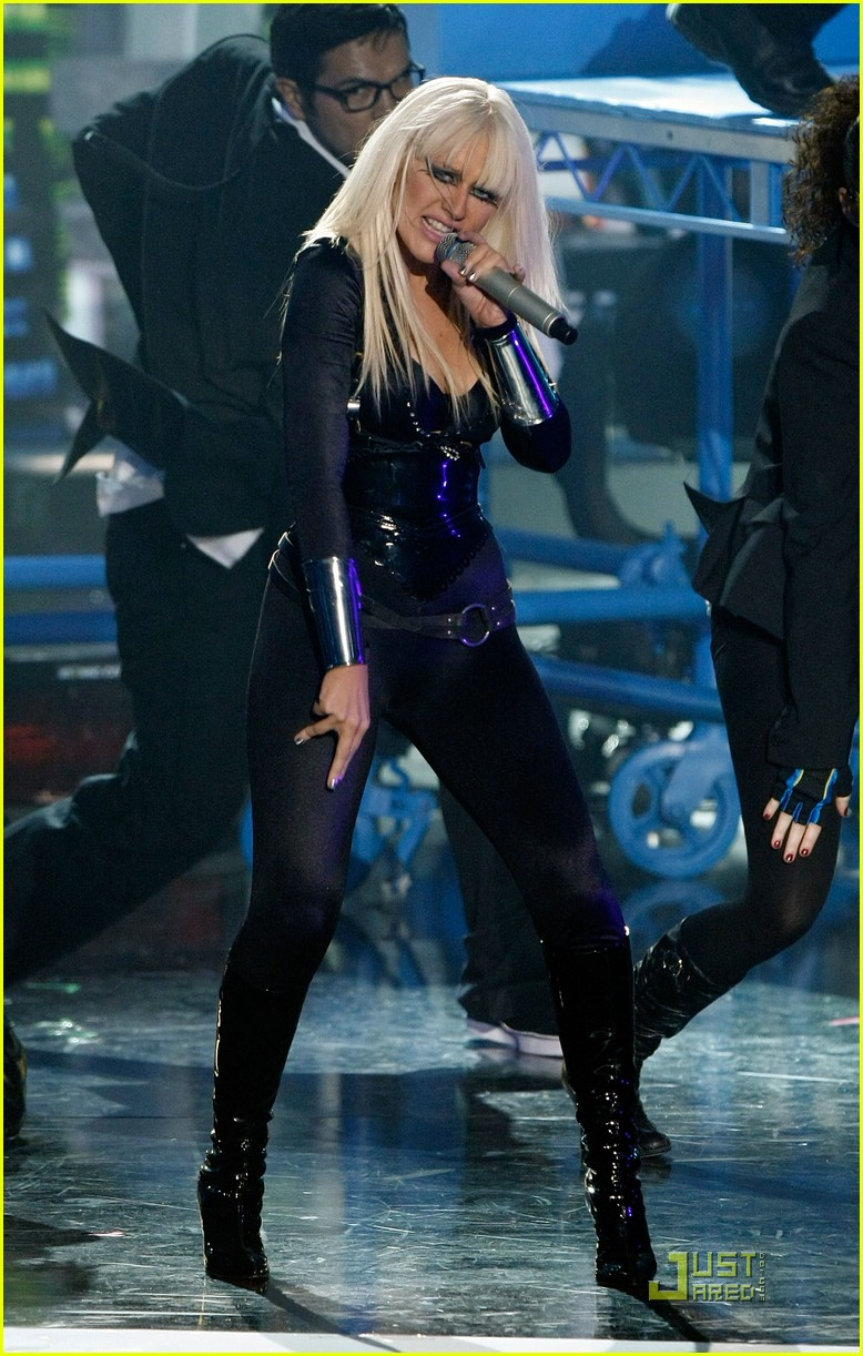 christina aguilera performance 2008 vmas 16