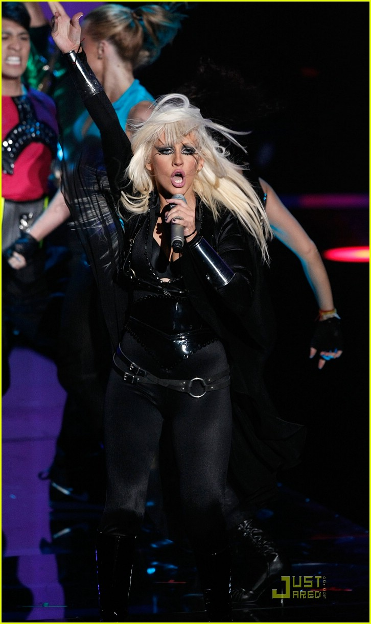 christina aguilera performance 2008 vmas 18
