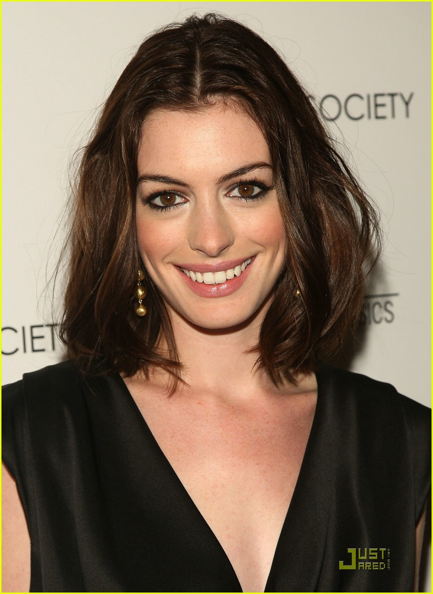 anne hathaway getting married 03