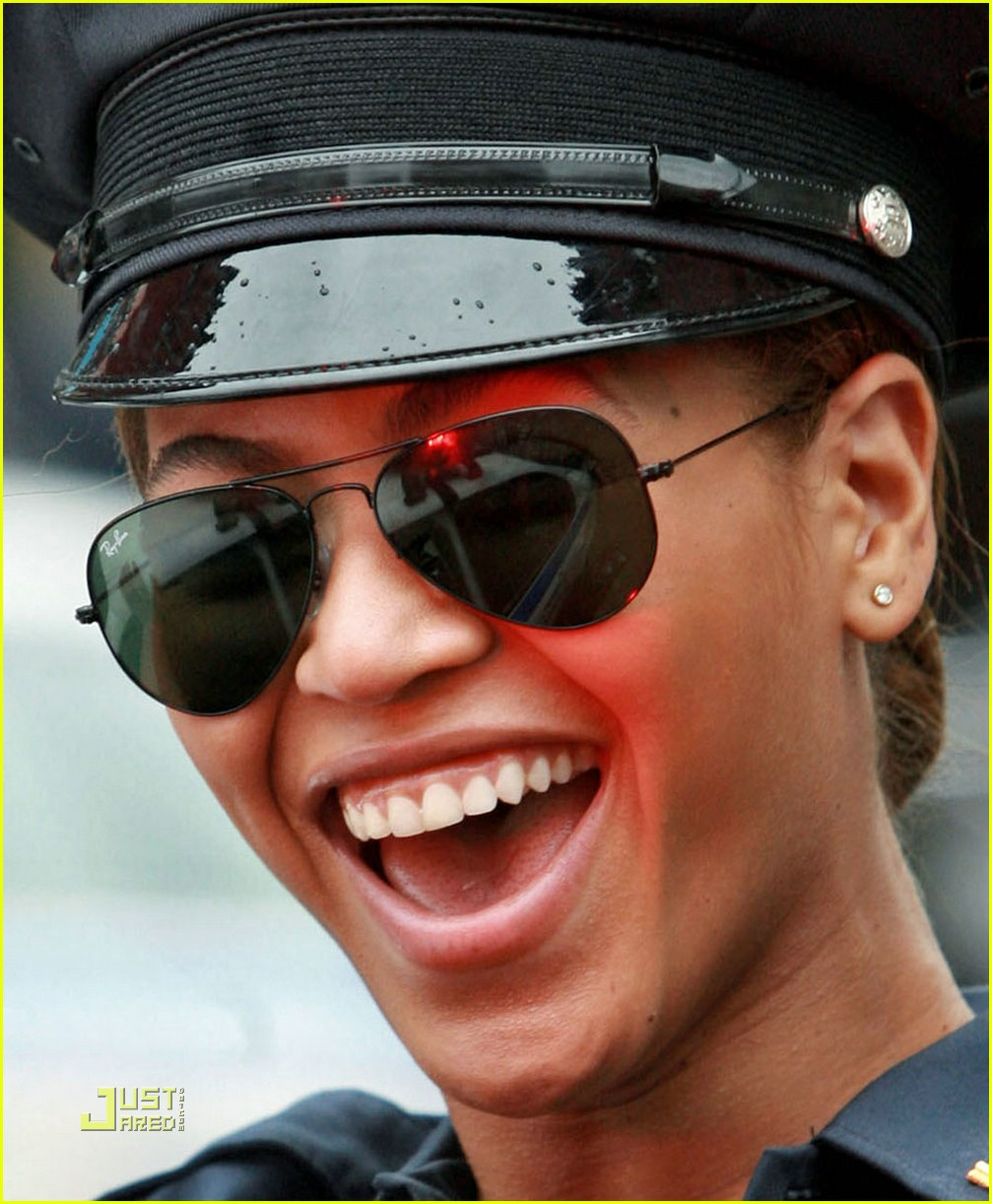 beyonce police officer 021426021
