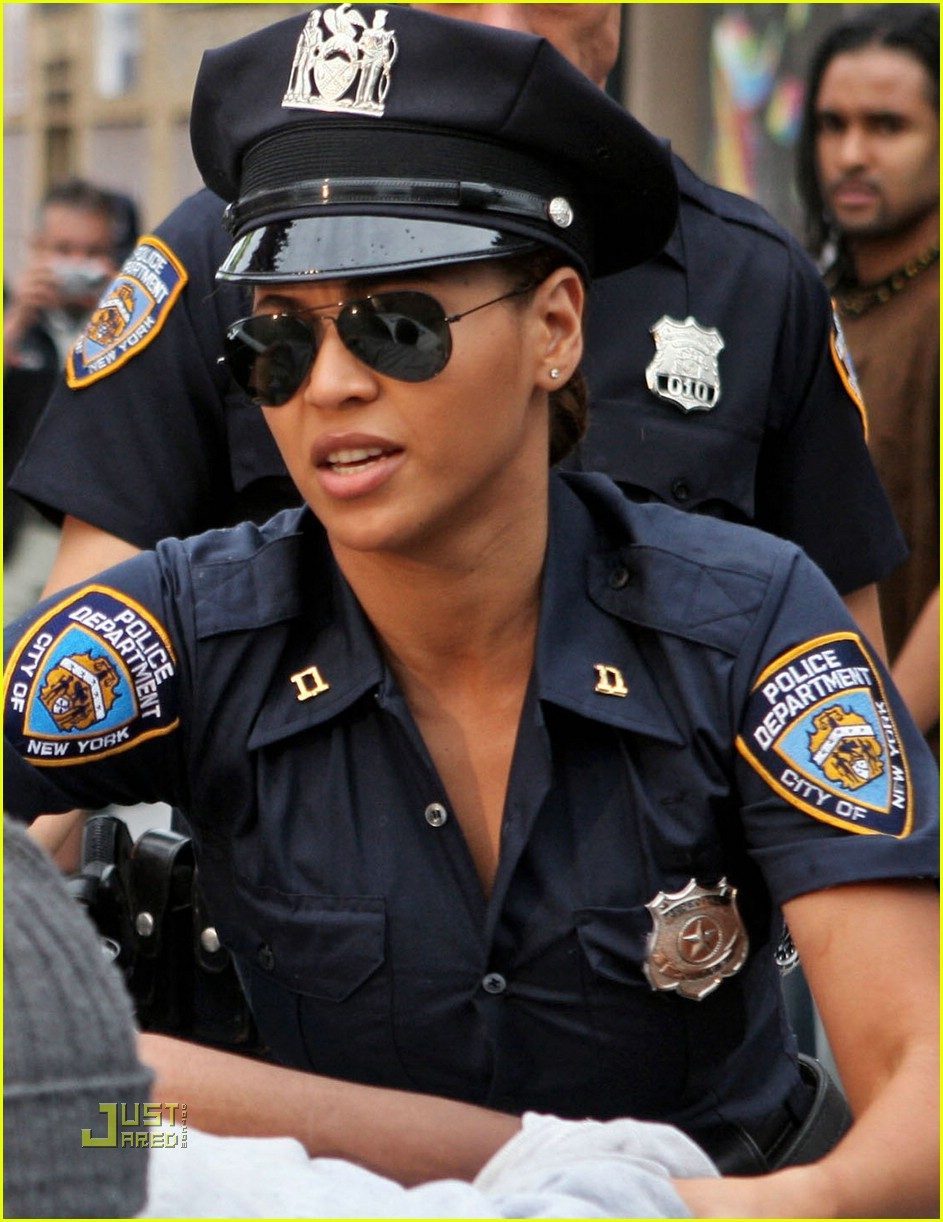 beyonce police officer 10