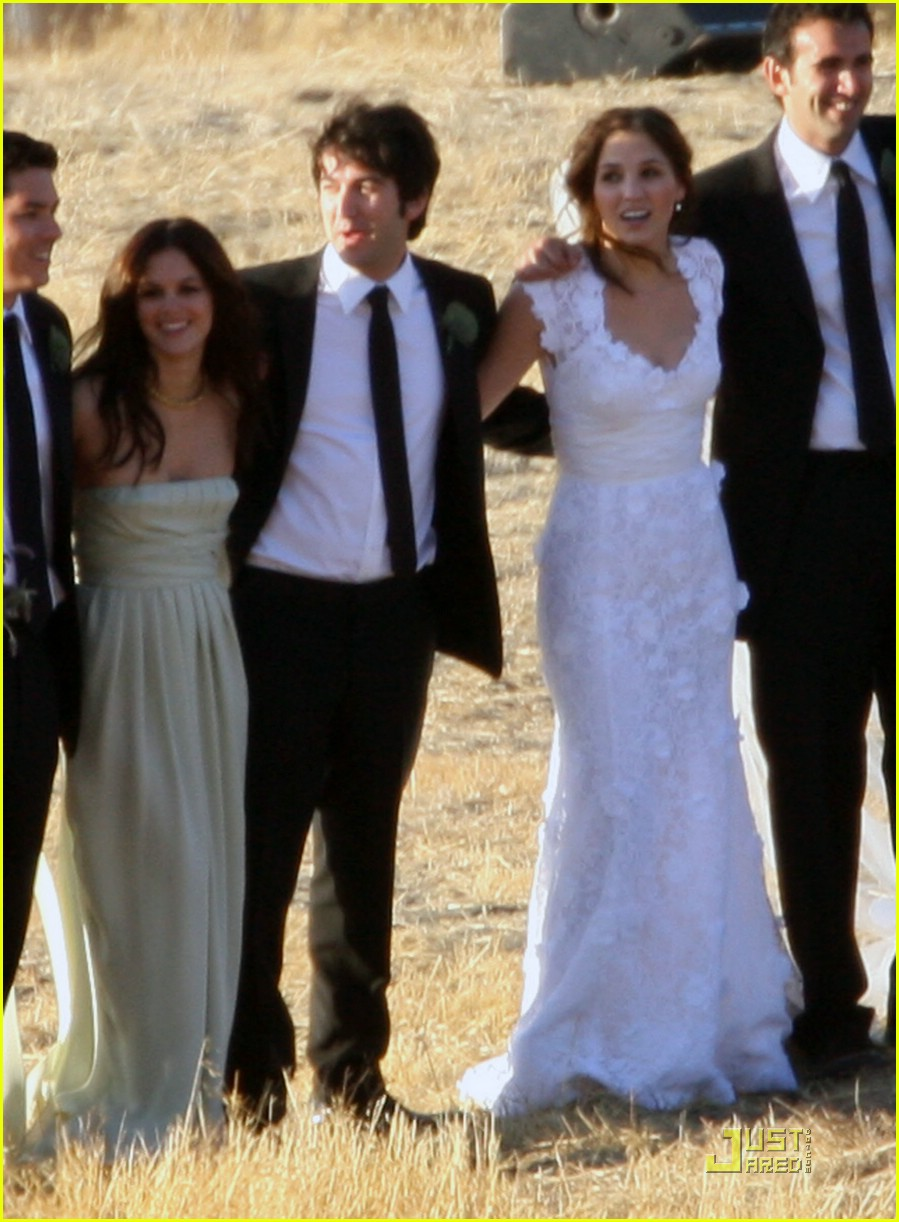 rachel bilson bridesmaid 041433081