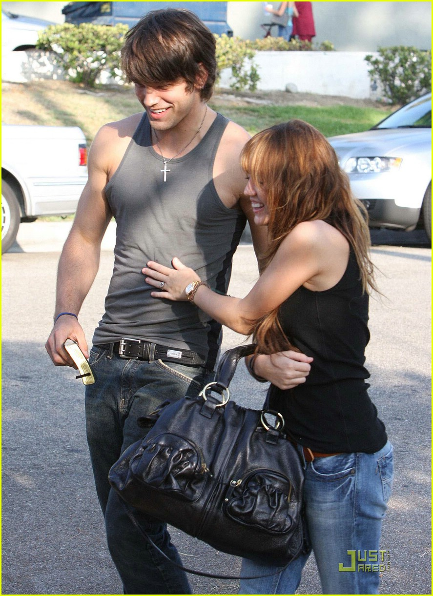miley cyrus justin gaston 011418891