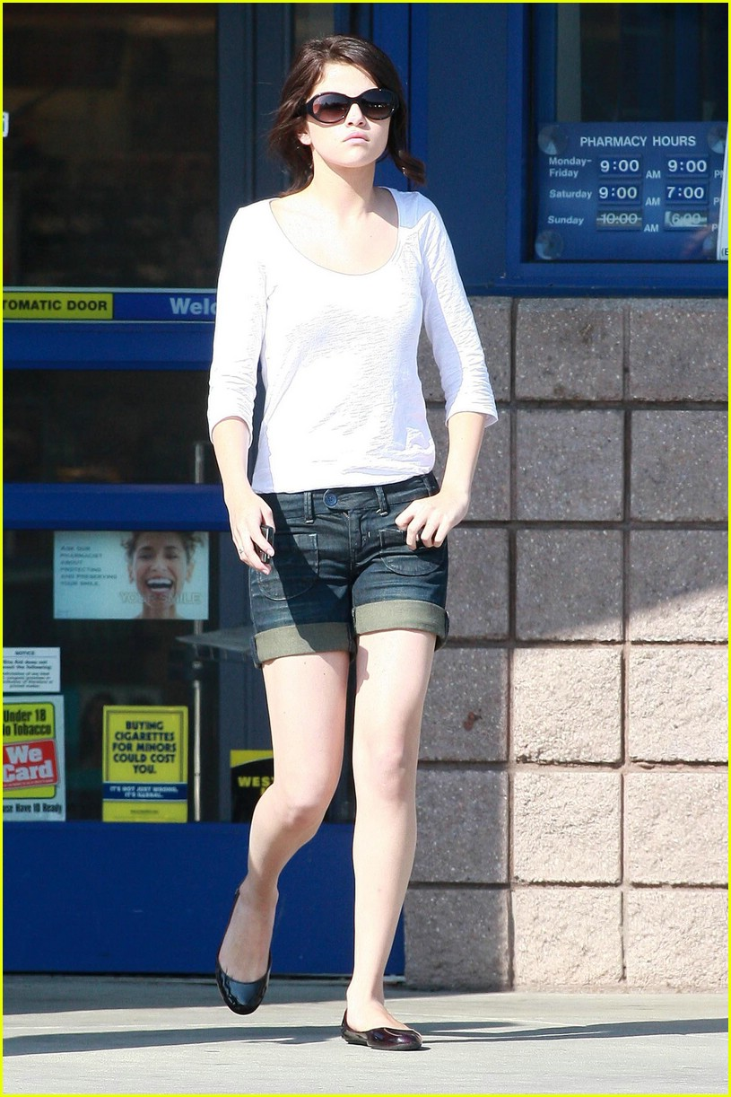 selena gomez rite aid 09