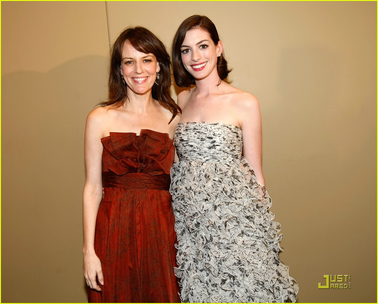 anne hathaway rachel getting married 26