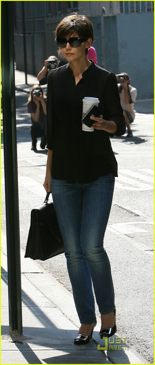 Katie Holmes: Jeans Watch Continues! Katie Holmes