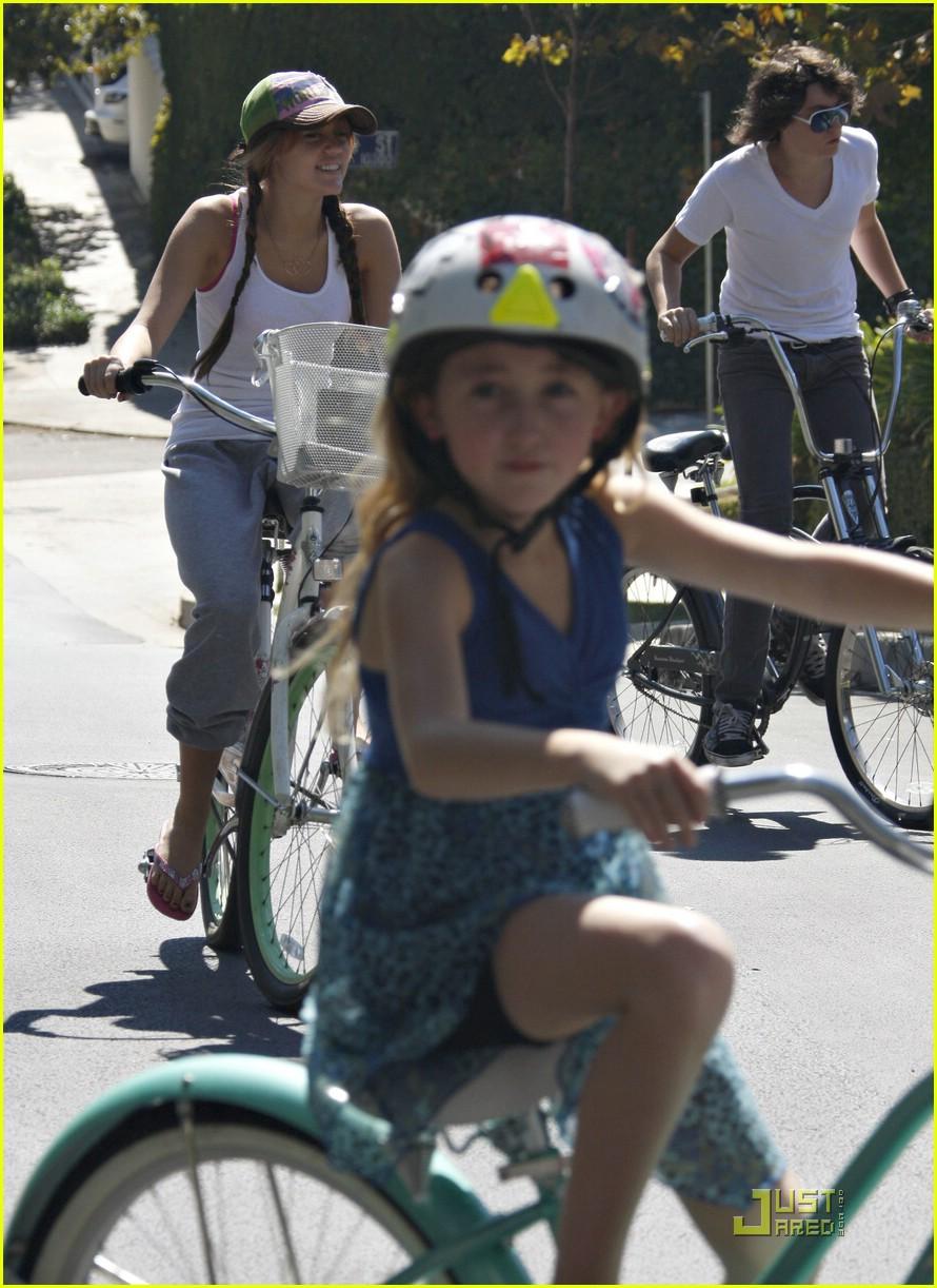miley cyrus biker babe 04