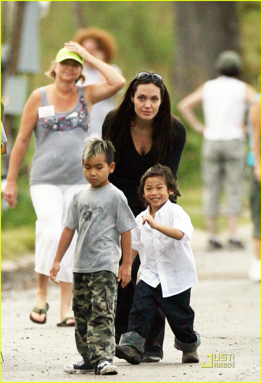 Maddox Jolie-Pitt Now — Brangelina's Oldest Rejects the ...