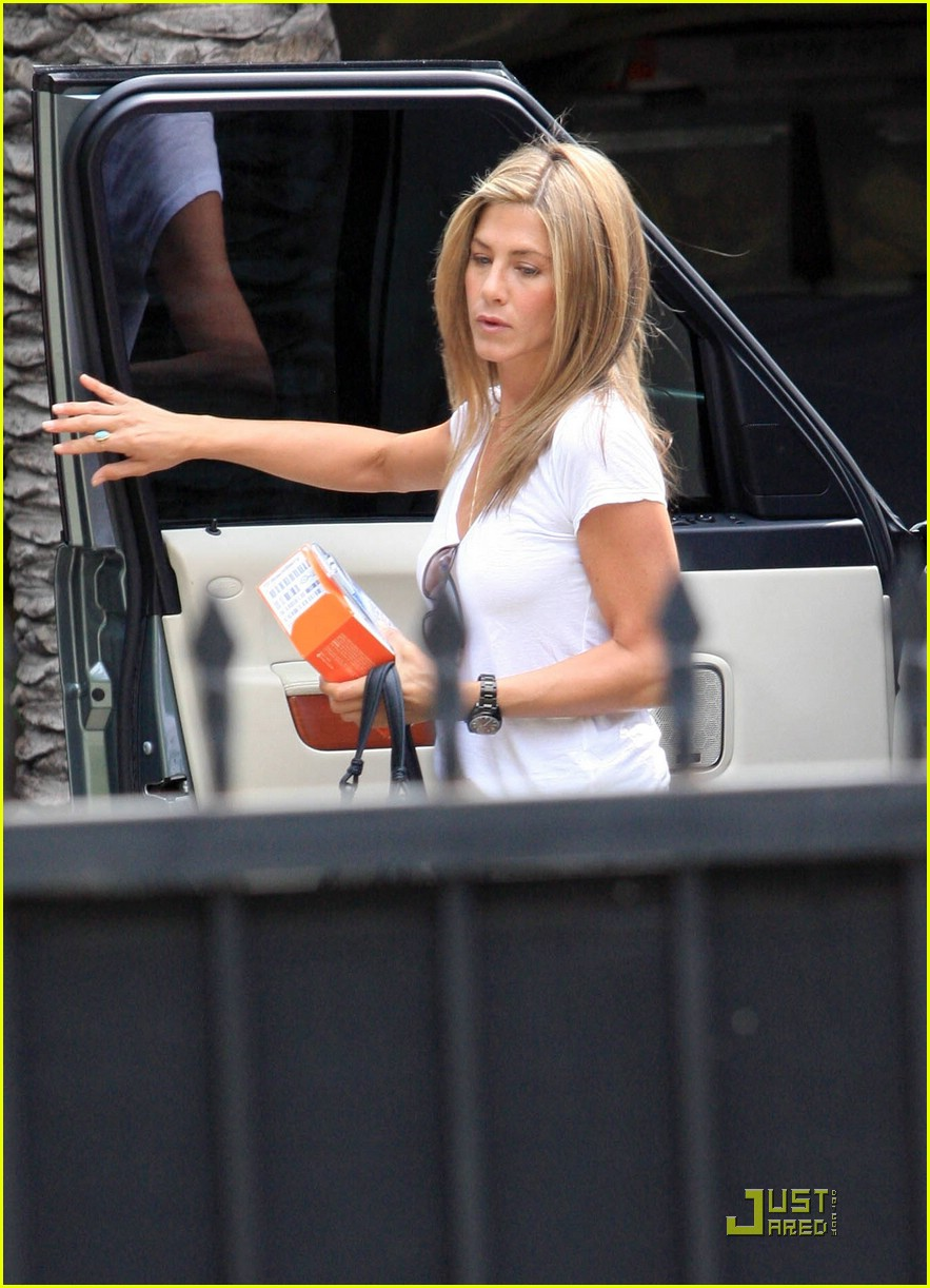 jennifer aniston blackberry 041457091