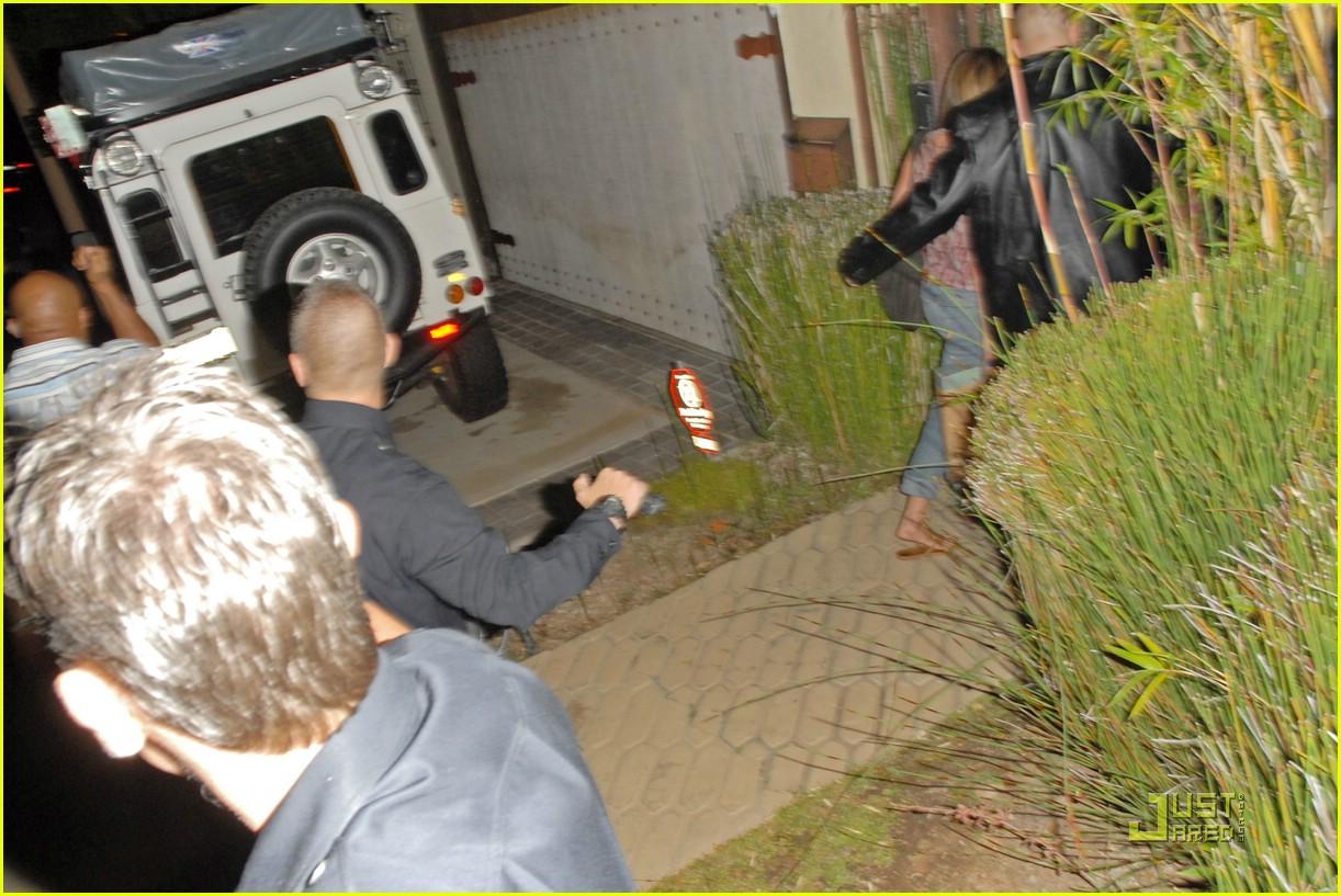jennifer aniston visits john mayers house photo 1487581