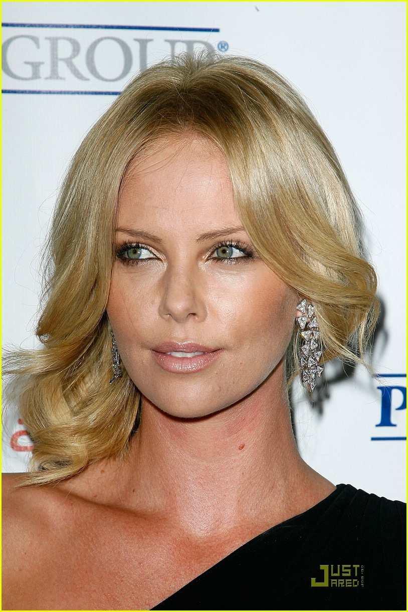 charlize theron rock the kasbah 021503131