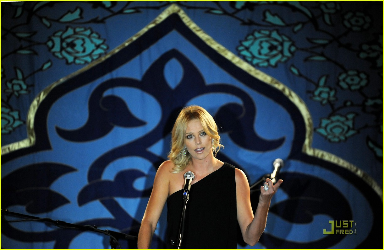 charlize theron rock the kasbah 07