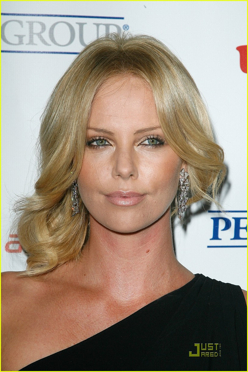 charlize theron rock the kasbah 111503221