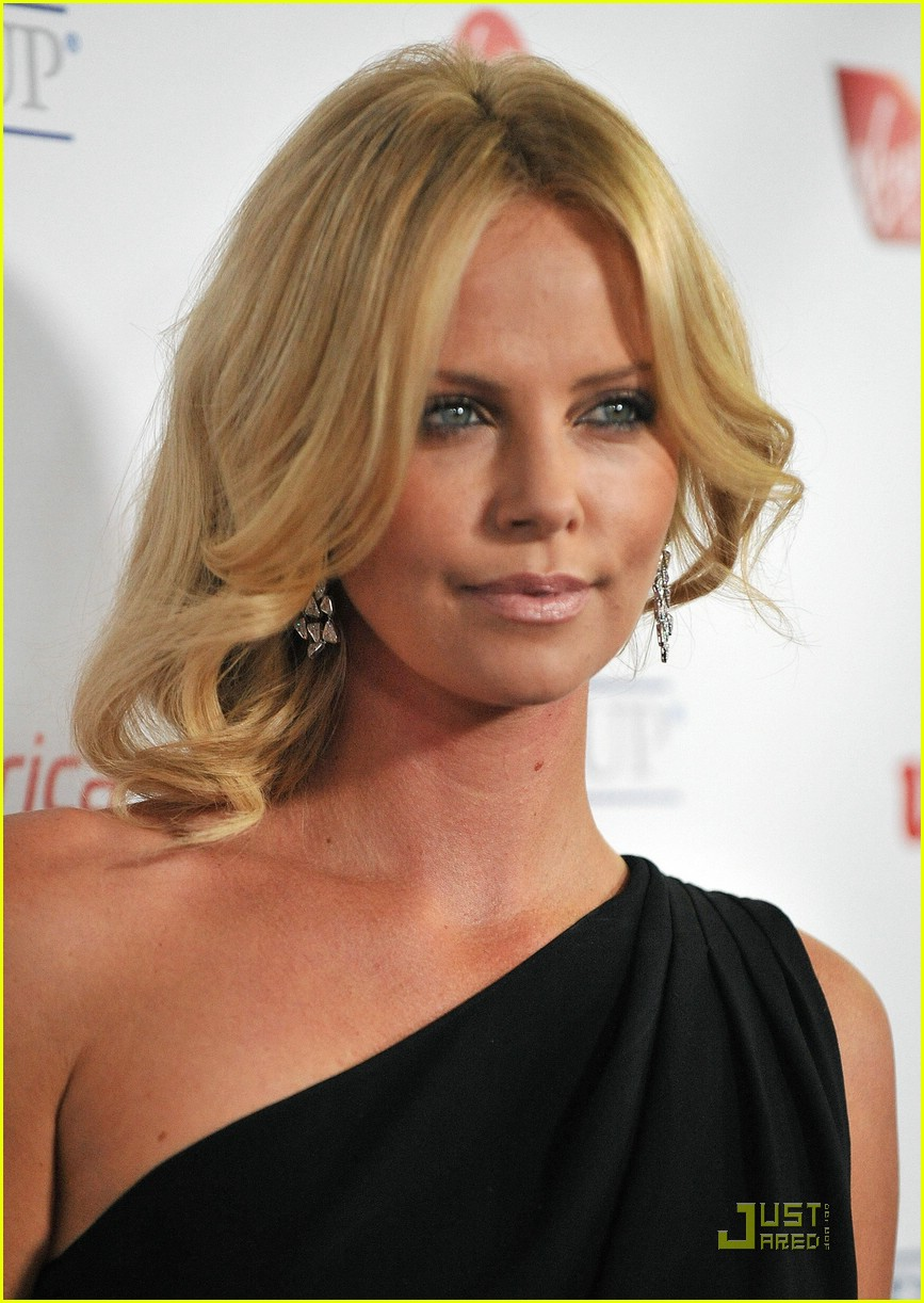 charlize theron rock the kasbah 18