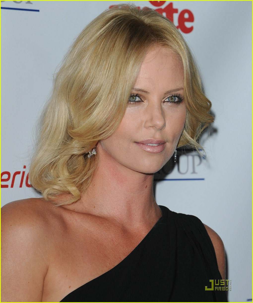 charlize theron rock the kasbah 201503311