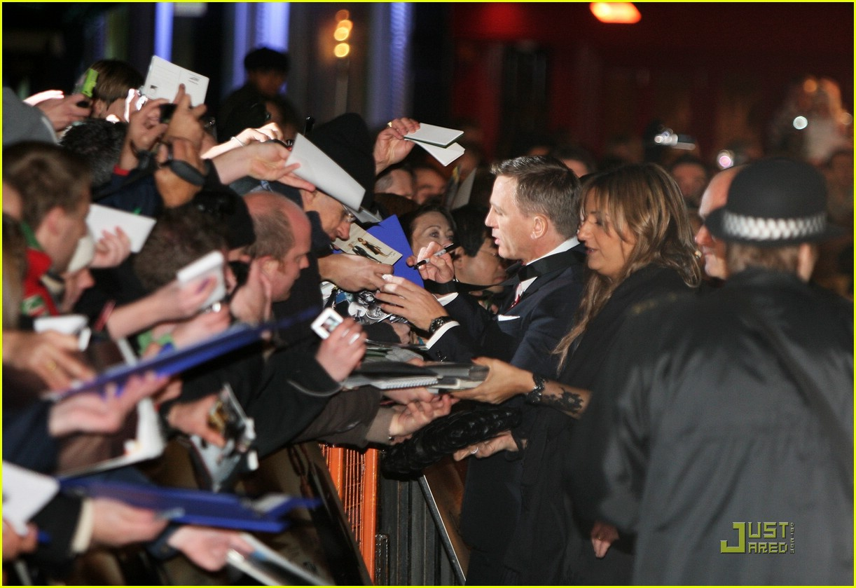 daniel craig quantum of solace world premiere 101515071
