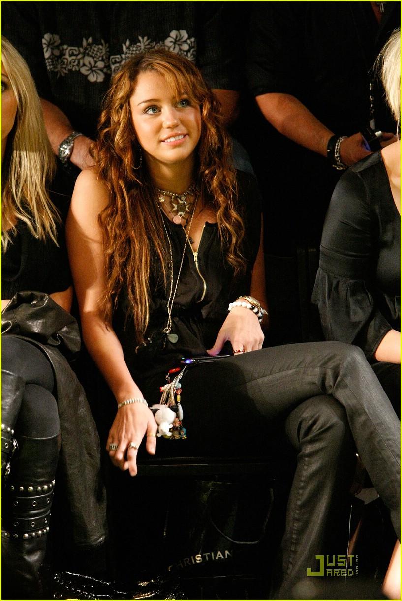 Full Sized Photo Of Miley Cyrus Bun Bbb 02 Miley Cyrus