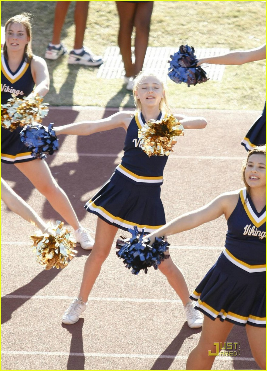dakota fanning cheerleading squad 051491231