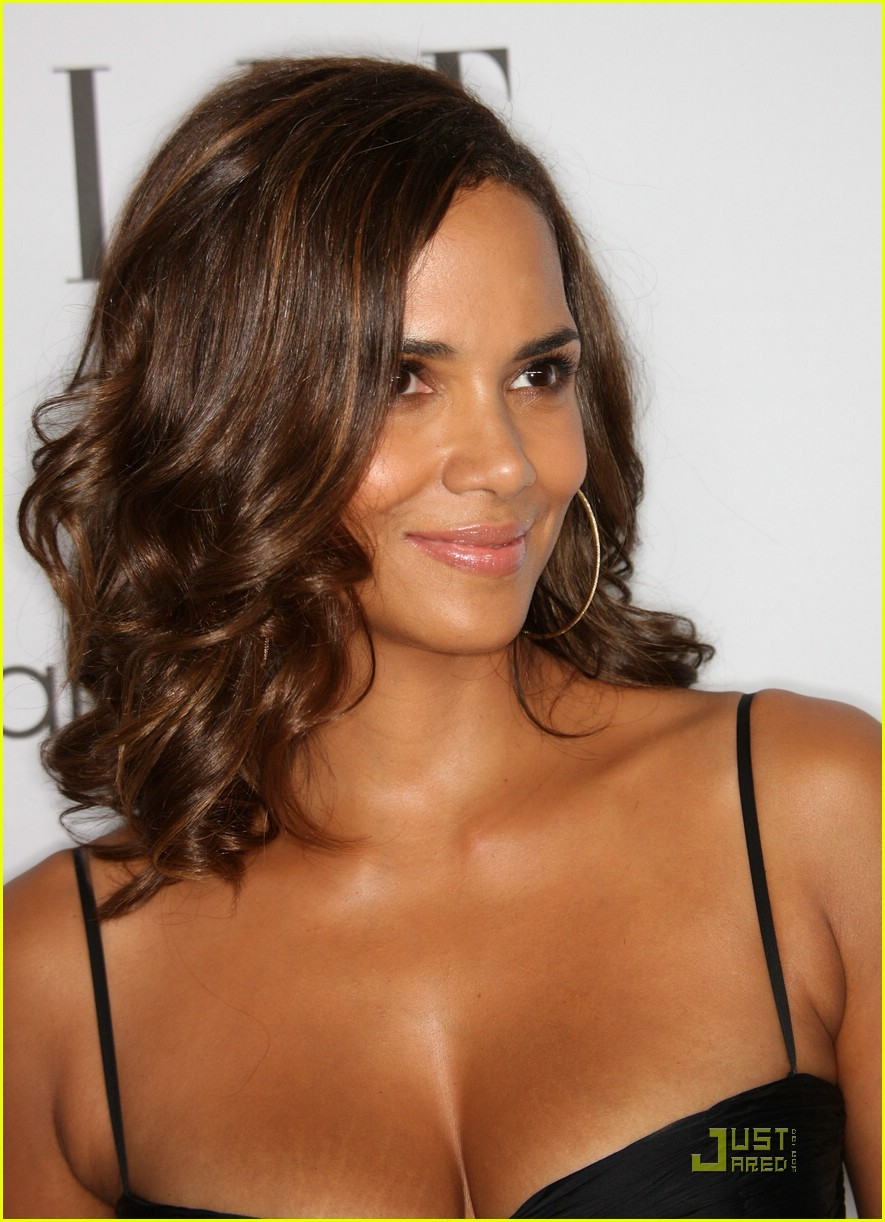halle berry elle women in hollywood 191465591