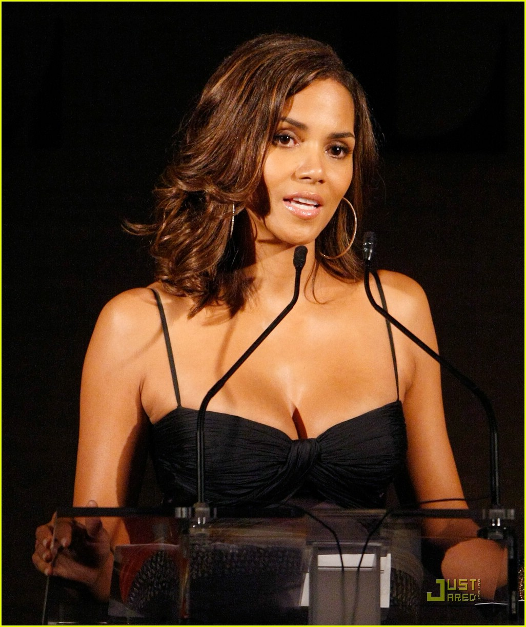halle berry elle women in hollywood 221465621